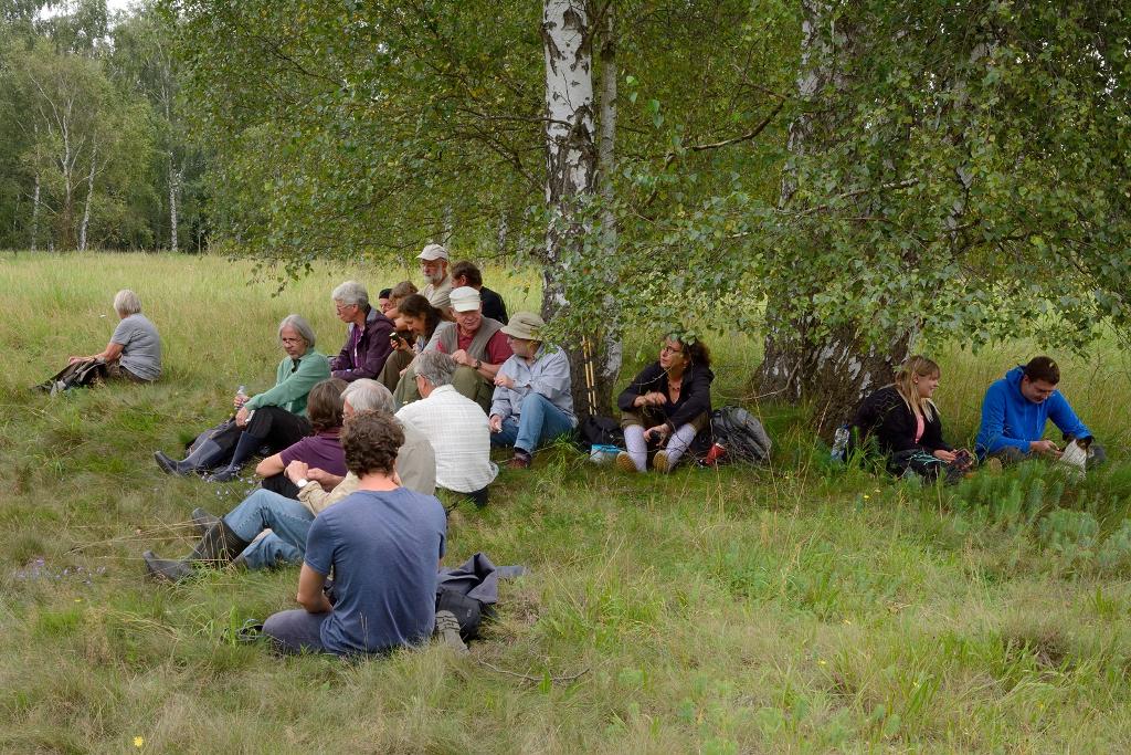 Mittagspause-Oker-bei-Wülperode-Exkursion-Bot-Verein-26.8.2017-E.Ockenga-cx